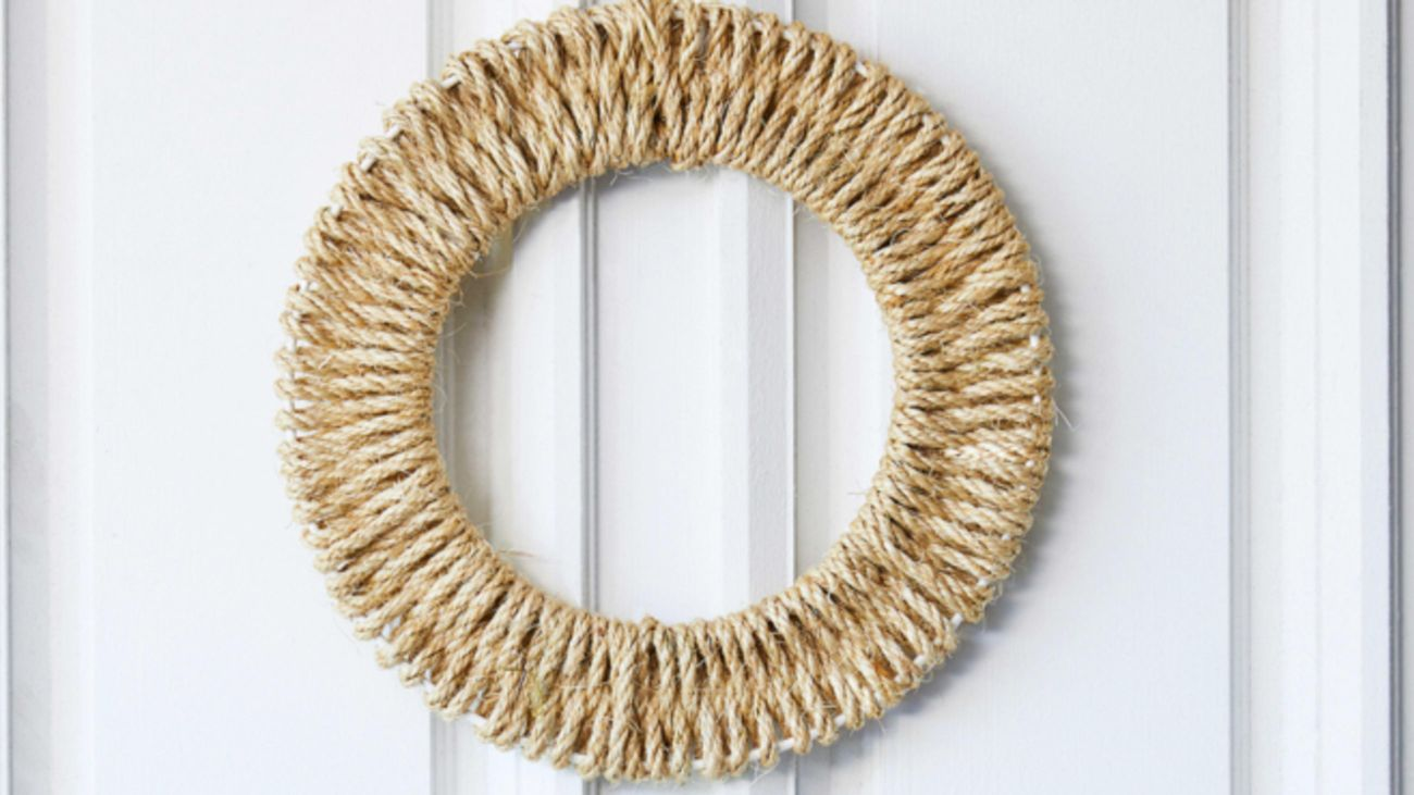 Christmas wreath made from rope.