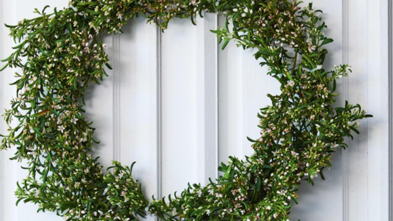 Christmas wreath made from green foliage.