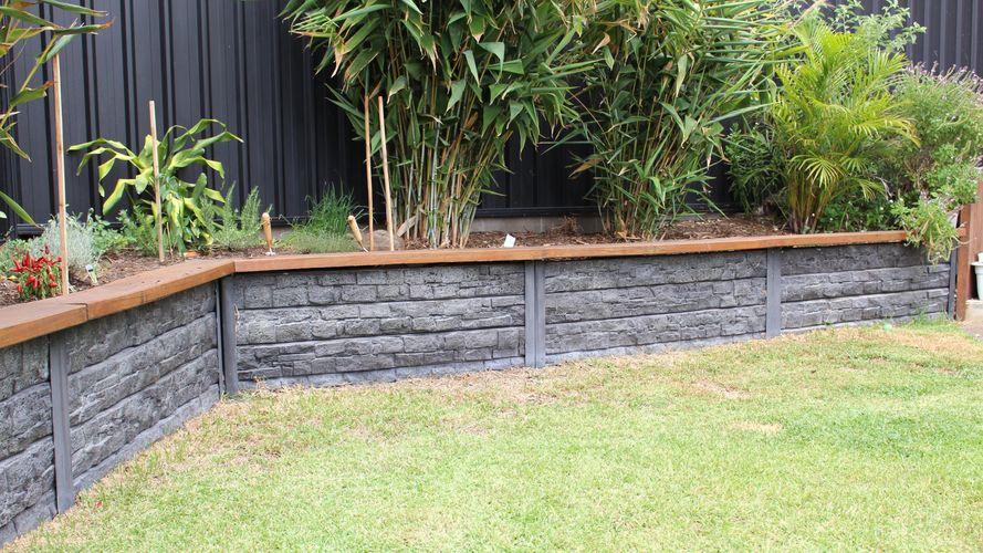 Garden Wall- Ridgi