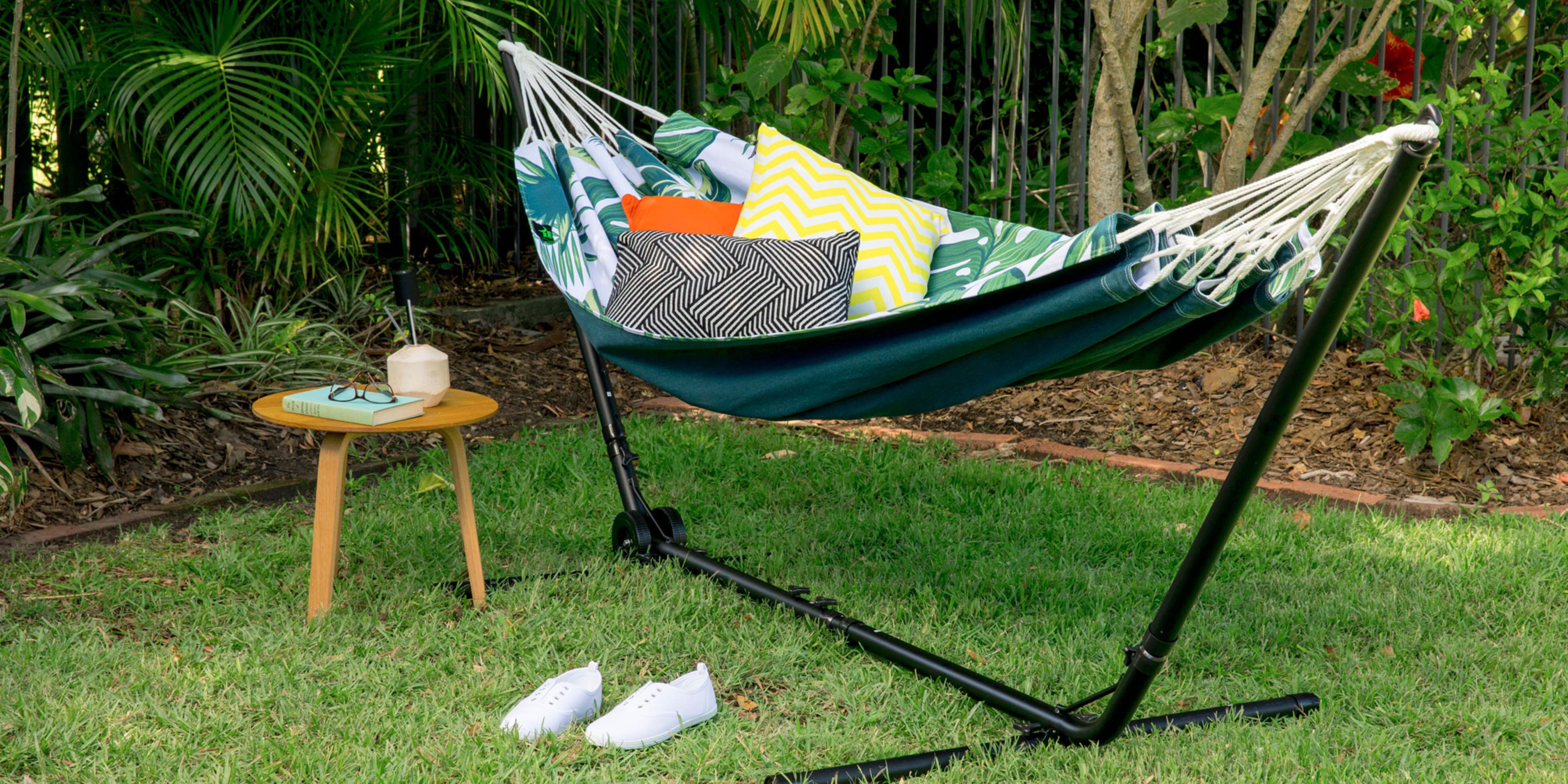Empty hammock in a back yard