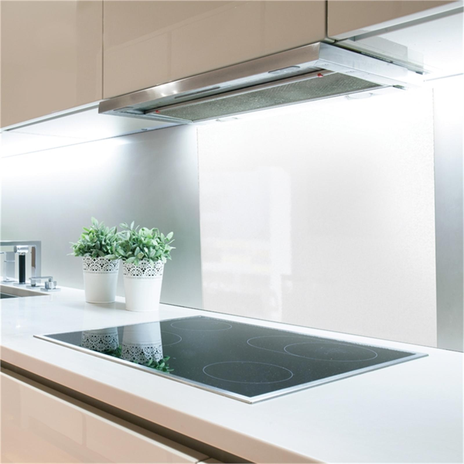 Stein 900mm White Glass Splashback