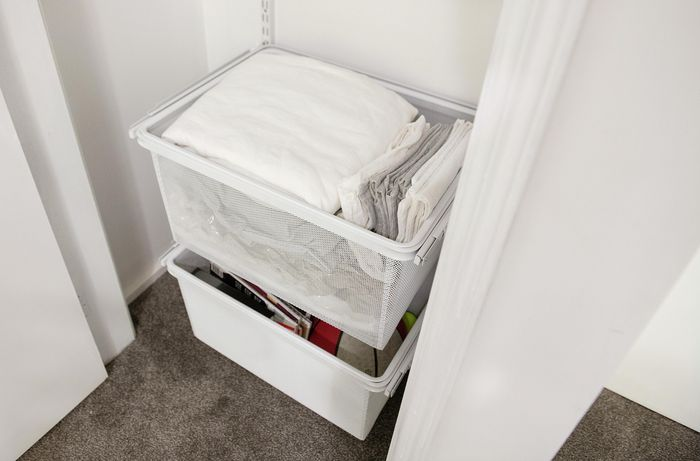Organisers full of bed linen