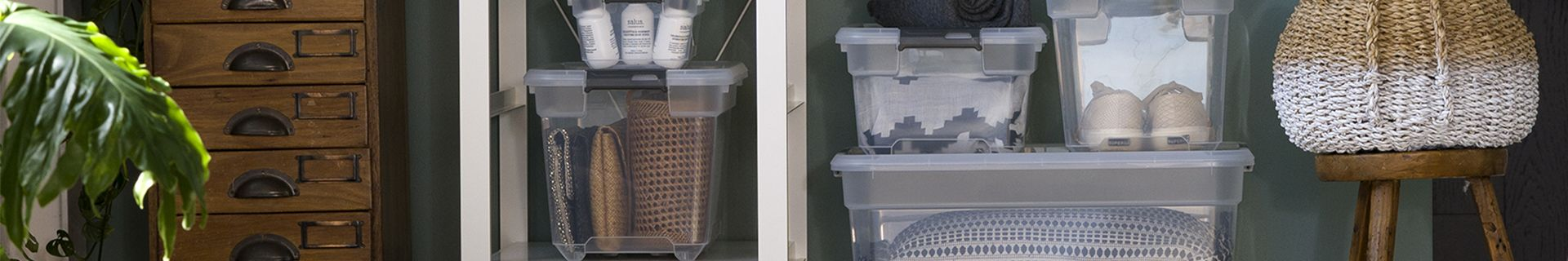 Shelving with storage tubs