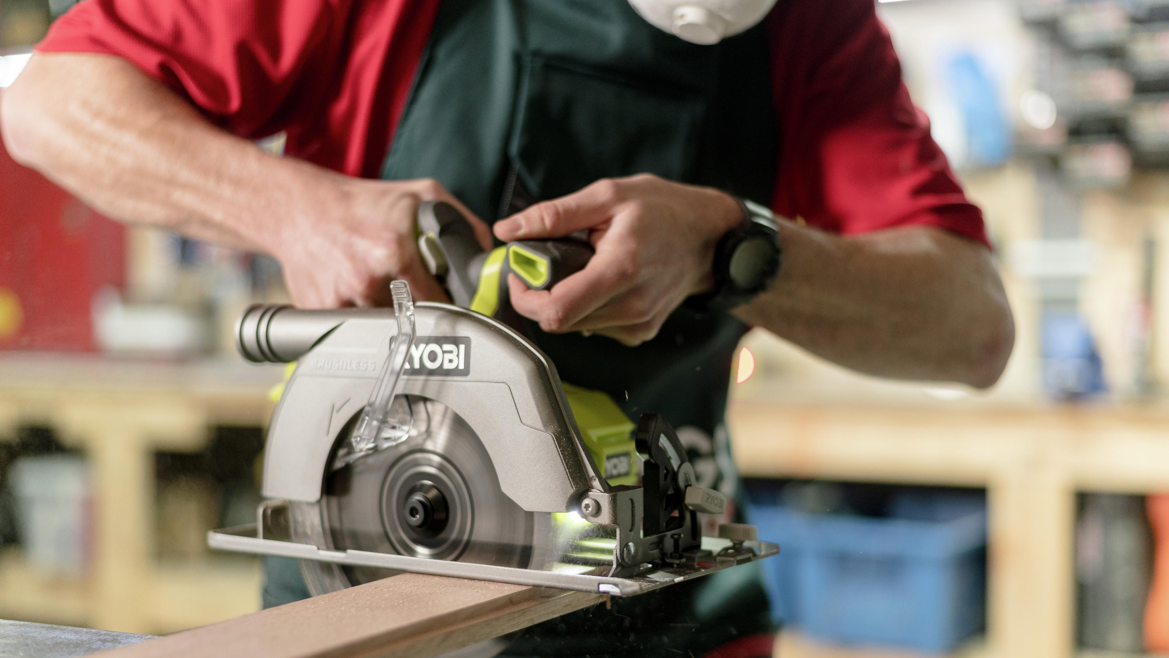 TM showing how to use a circular saw