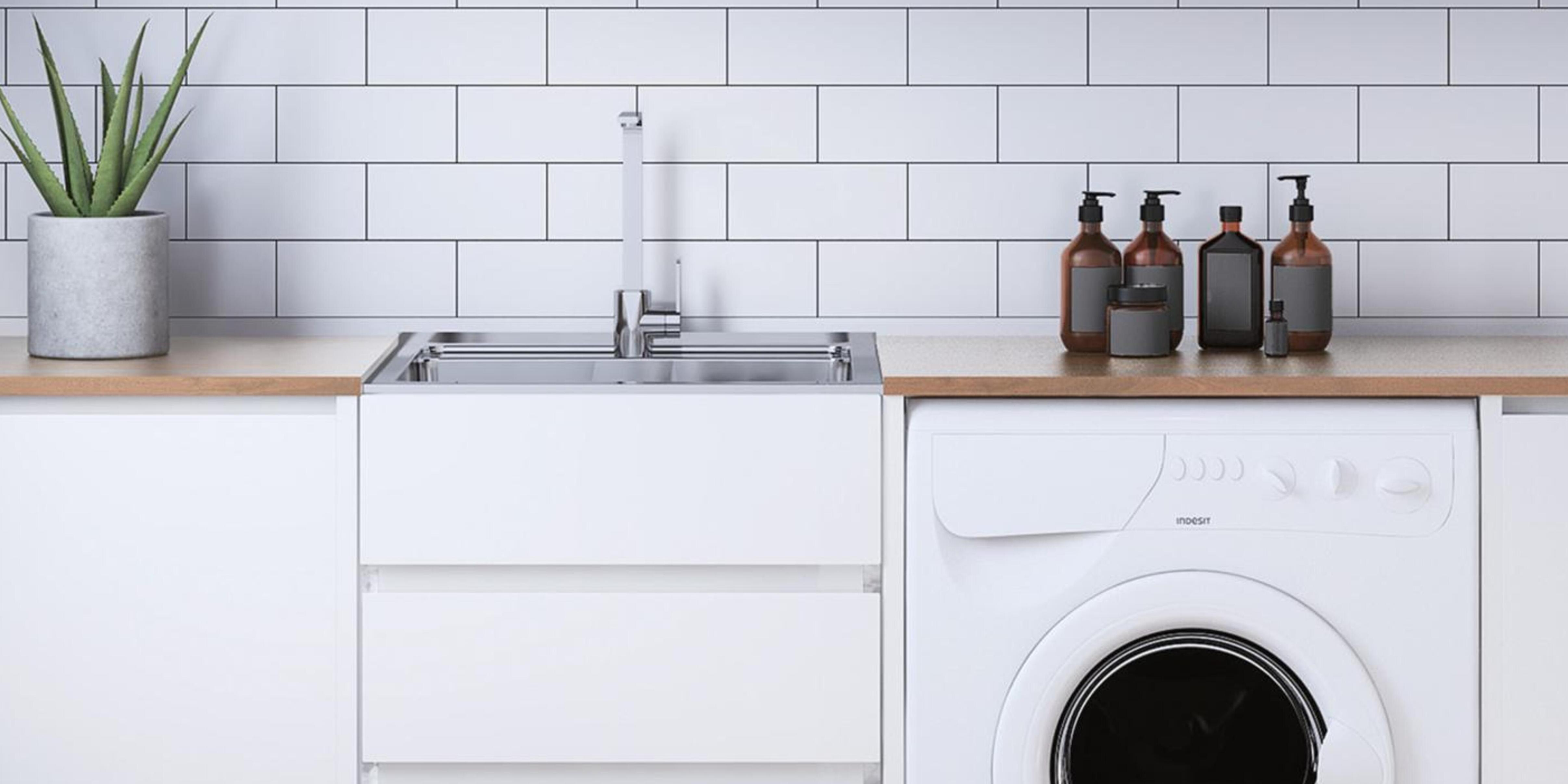 Laundry with sink and washing machine