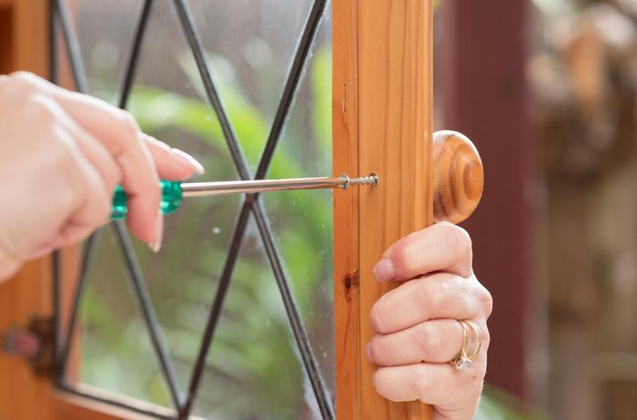 Use a screwdriver to remove all handles