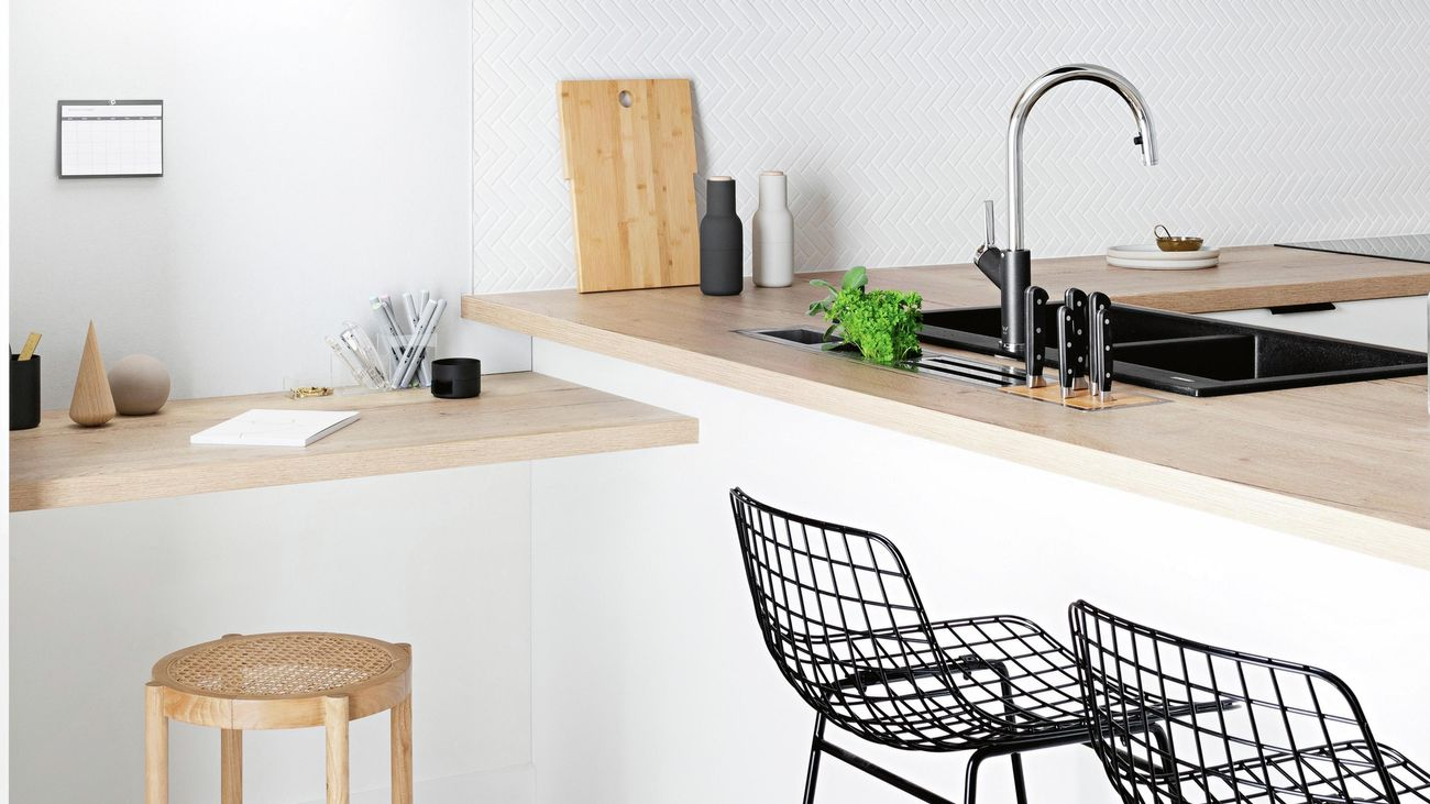 Modern wood study nook