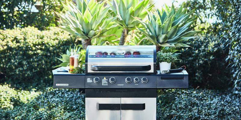 Four burner BBQ - Backyard - Wide