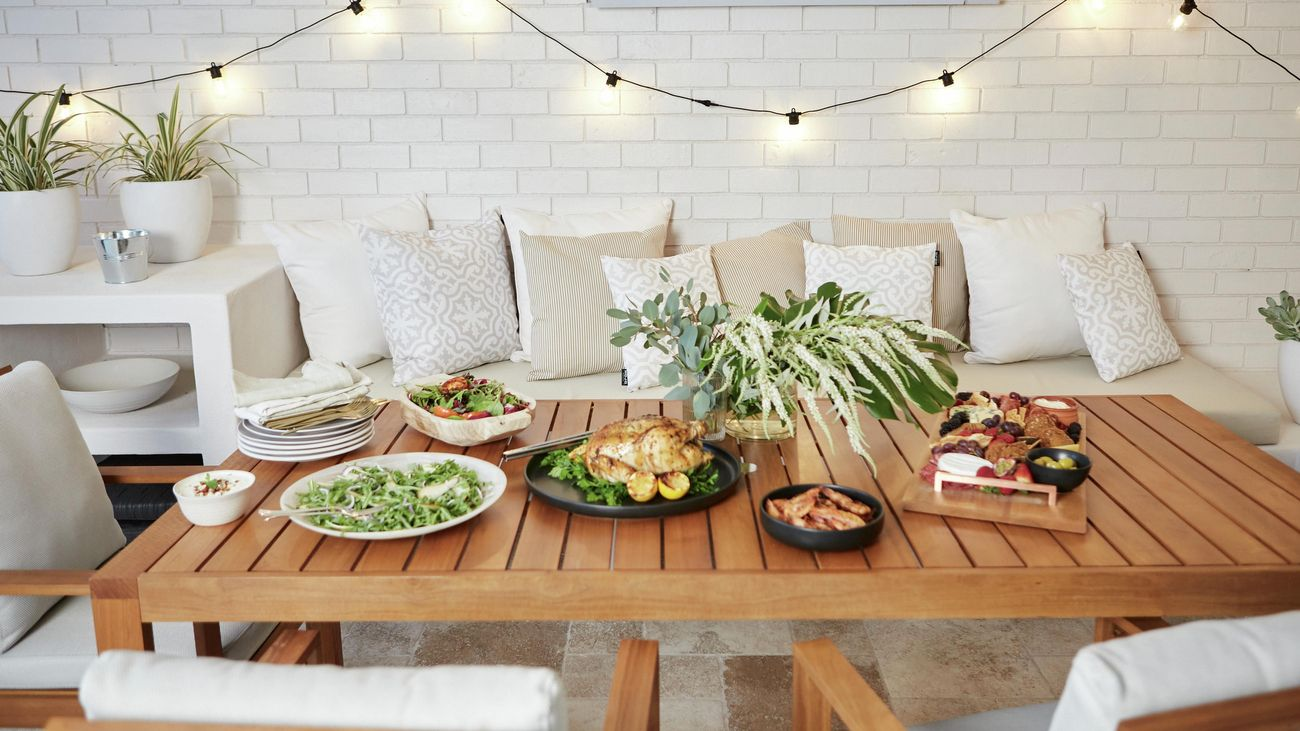 Festive outdoor dining table setting