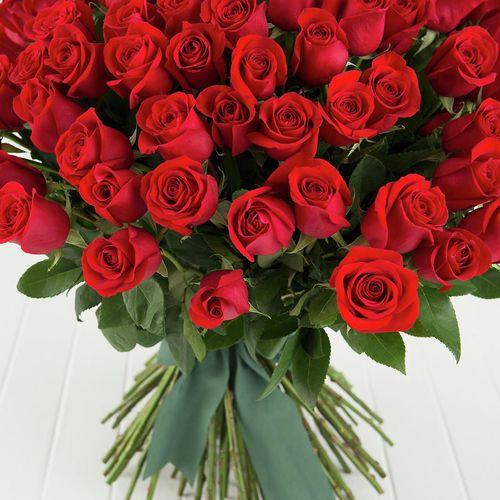100 Roses Big Red Rose Bouquet Bunnings Australia
