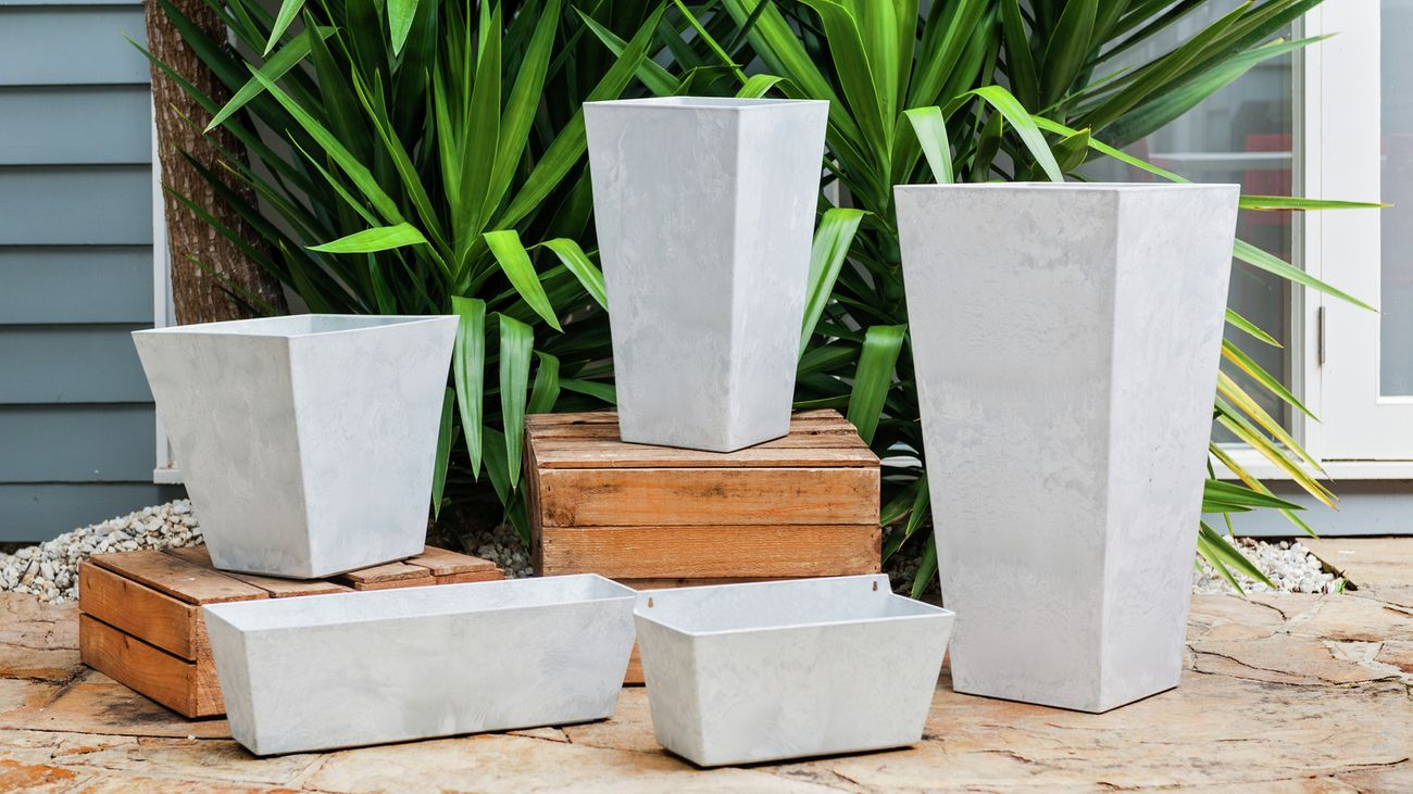 Tuscan Path pots in various sizes.